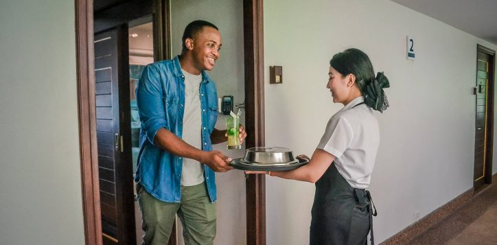 novotel-phuket-resort-room-service3-2
