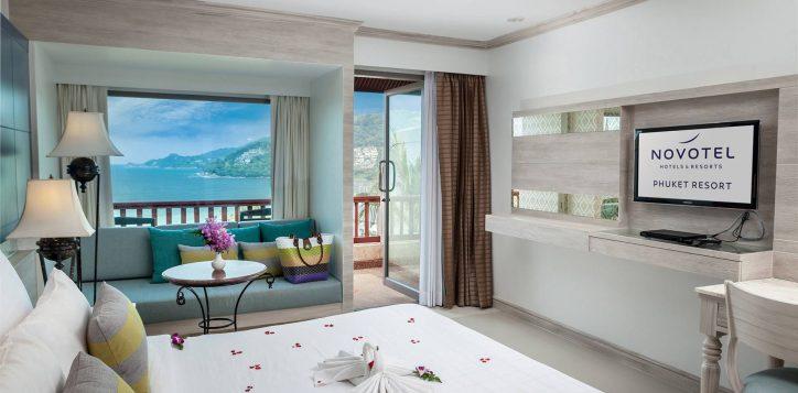 novotel-phuket-resort-room-superior-double-ocean-view-intro3-2